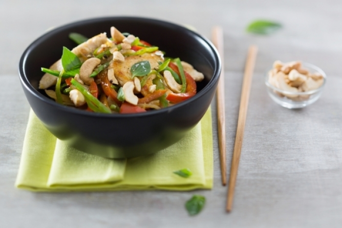 recette-e10730-wok-de-poulet-saute-au-sake-et-noix-de-cajou